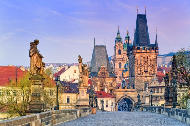 チェコのワーキングホリデーまるわかり!ビザ・費用・最新情報など
