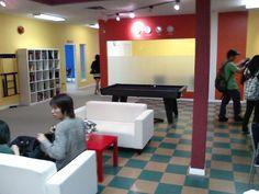カナダ語学学校の共有スペース