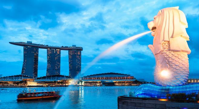 シンガポールは経済発展が著しく、アジア経済の中枢