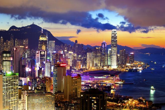 香港は中国や東南アジアへのアクセスが便利