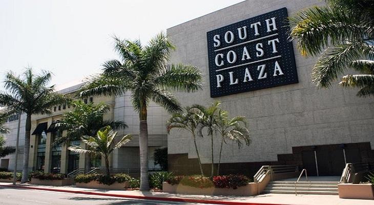 目の前には、全米最大の屋内ショッピングモール「サウスコーストプラザ」が!