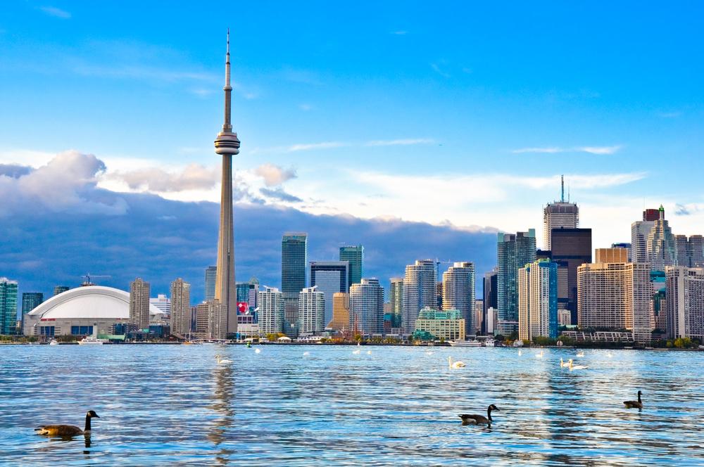 2週間から気軽にカナダ語学留学★EFトロント校で確実に英語力アップ!