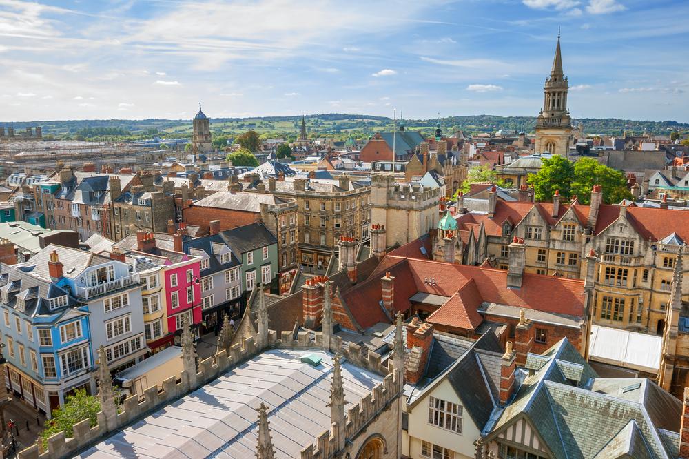 学生の街で有名なオックスフォードの景色