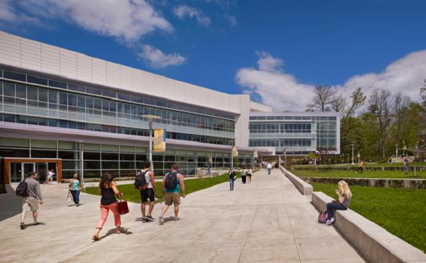 広大なキャンパスでのびのび学ぶ!