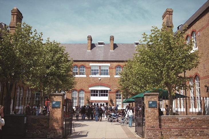 ロンドン市内中心に位置するEFロンドン校