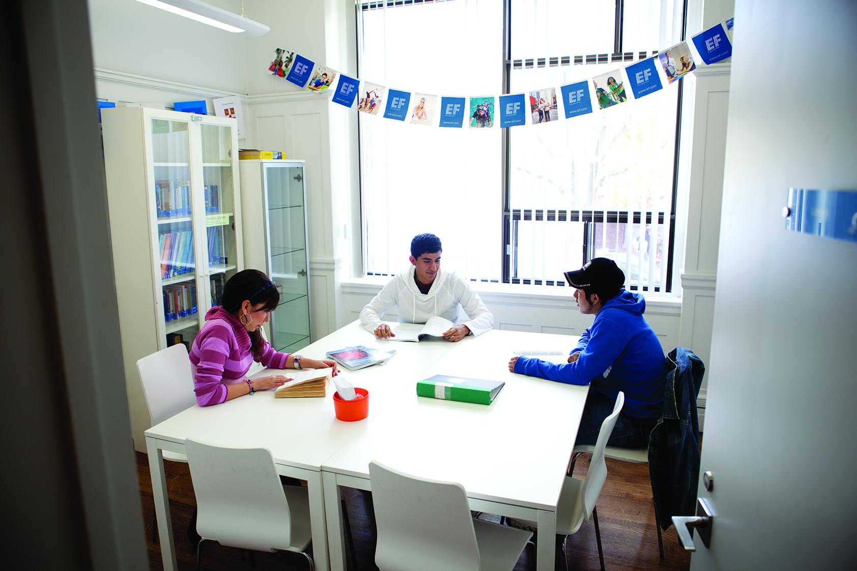 自習室など学習設備の整っている、EFワシントンDC校