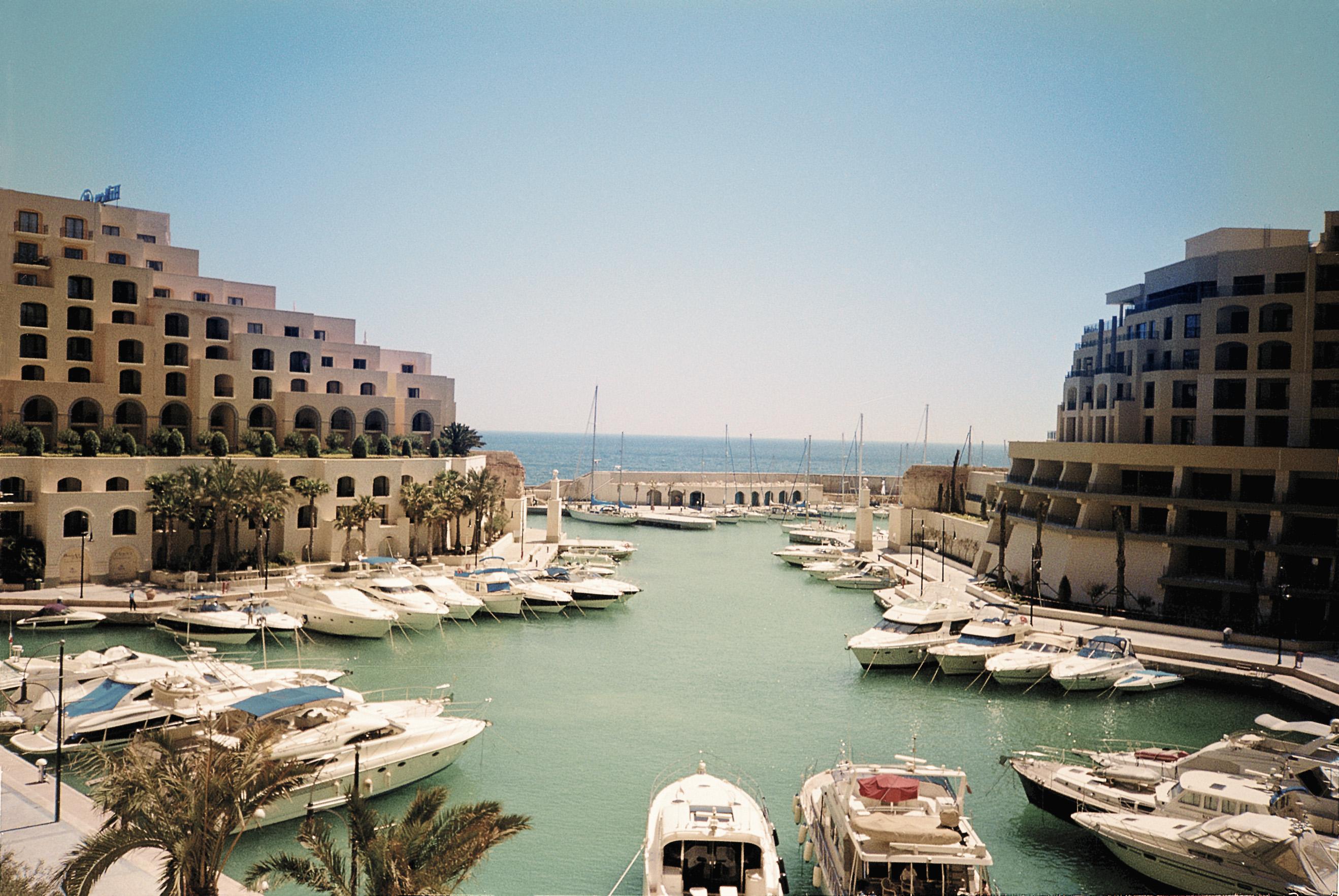 地中海に囲まれた島、マルタでリゾート気分