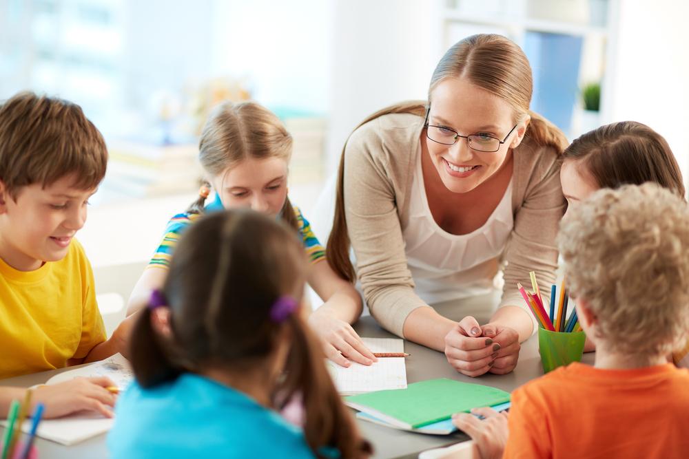 子供たちと触れ合いながら英語を習得できる!