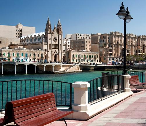 地中海を臨む人気の町マルタ「スリーマ」へ語学留学!国際交流しながら英語を学ぼう♪