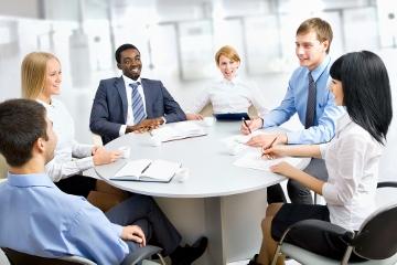 職員との会議でも語学力をスキルアップできる
