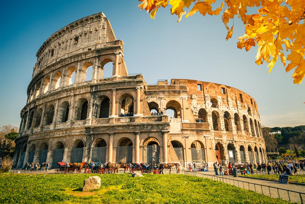 観光地としても人気なコロッセオ