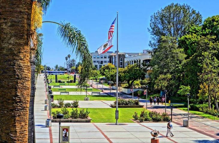 カリフォルニア州立大学群の中で最も広いキャンパス