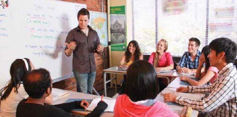 自分と同じレベルの生徒達と一緒に切磋琢磨しながら英語やフランス語を学べます