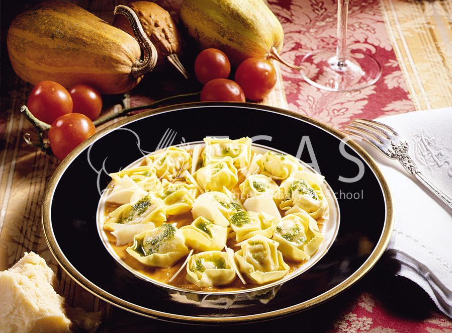イタリア家庭料理を人気の料理研究家の自宅で学ぶ🇮🇹日本語通訳付き&毎週日曜日入学可能♪