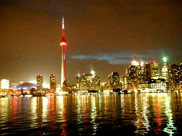 現地サポートで安心★カナダ最大都市トロントでワーキングホリデーしよう!