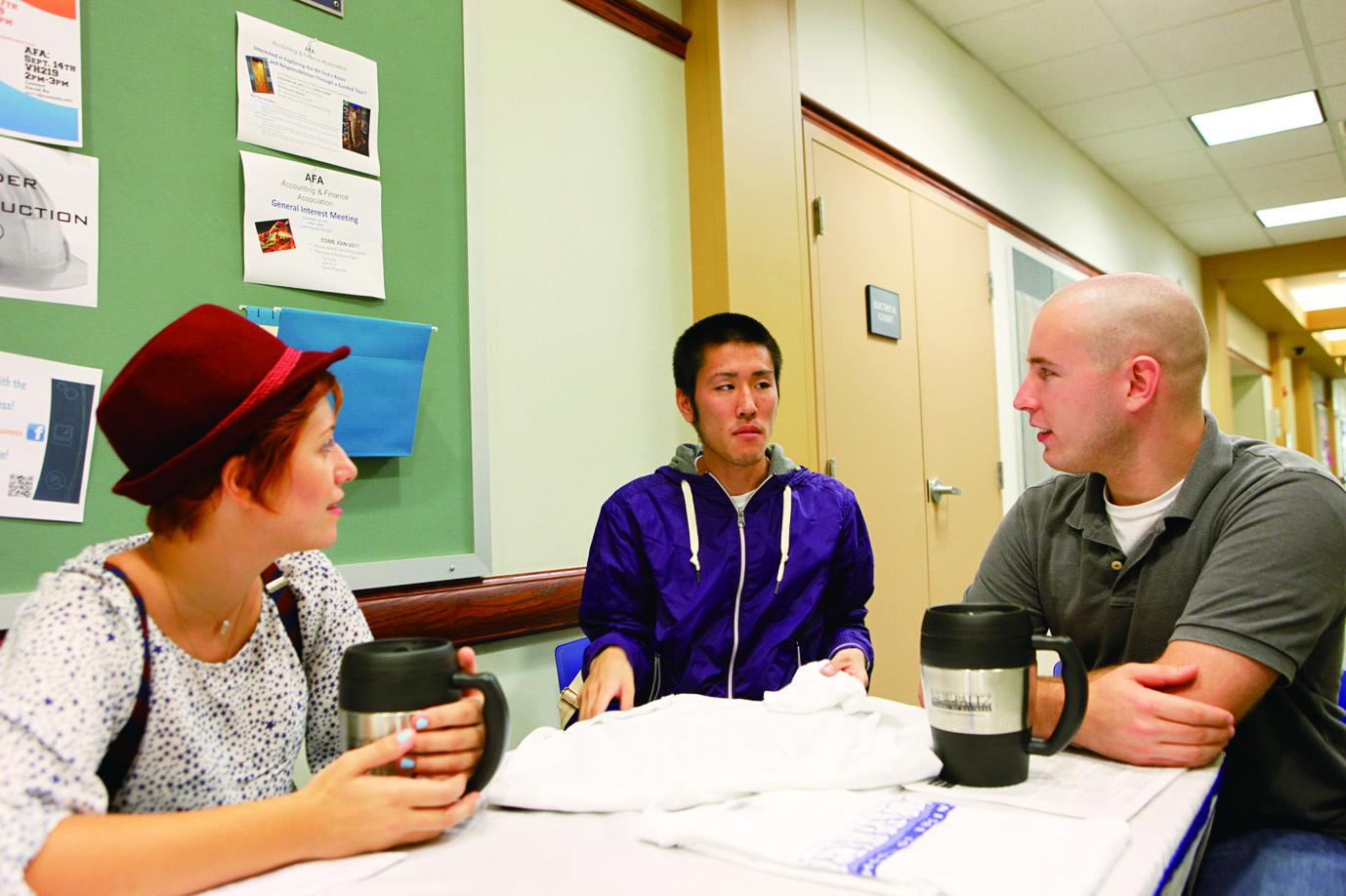 さまざまな国の学生と交流できます