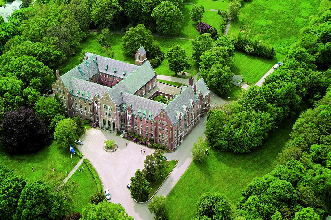 歴史あるEFボストン校