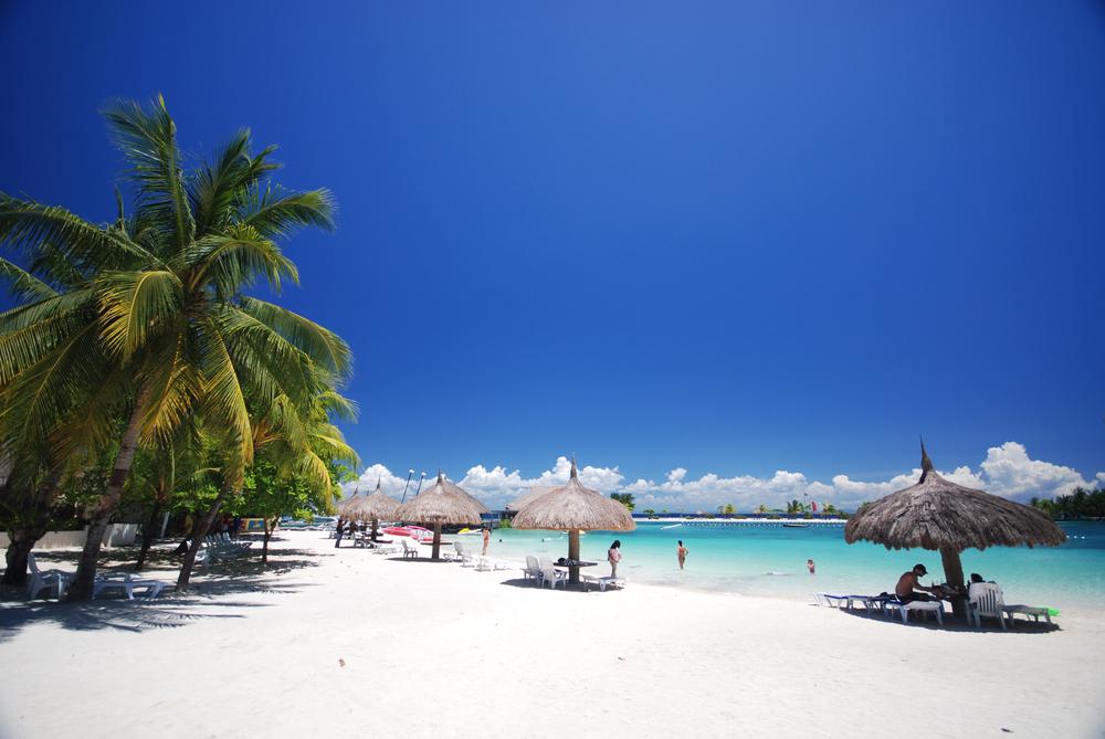 フィリピンの美しい海が広がるセブ島