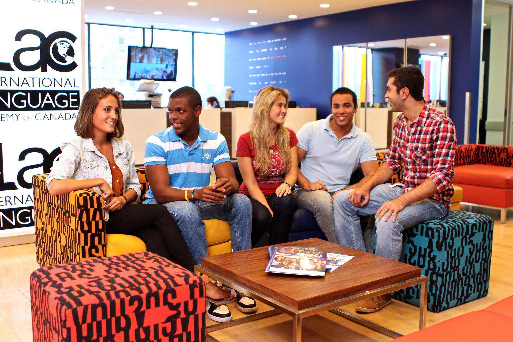 【大学生の休学カナダ留学】4,9月から6ヶ月以上の長期留学者向け