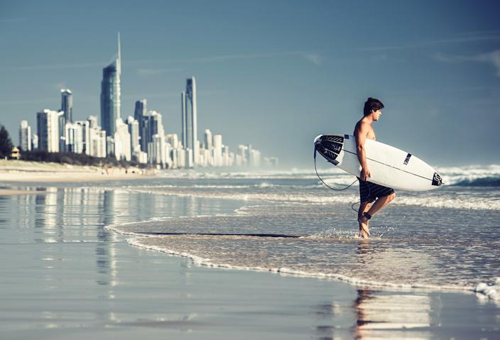 サーファーズパラダイスの美しいビーチが続く街、ゴールドコースト