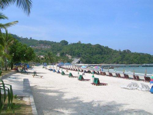 美しいビーチが広がります