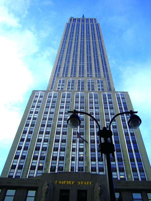 エンパイアステートビル63階に当校はあります☆