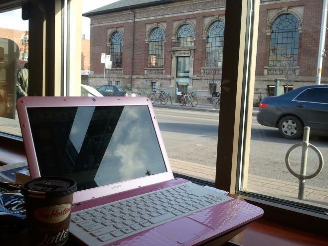 カフェで勉強中
