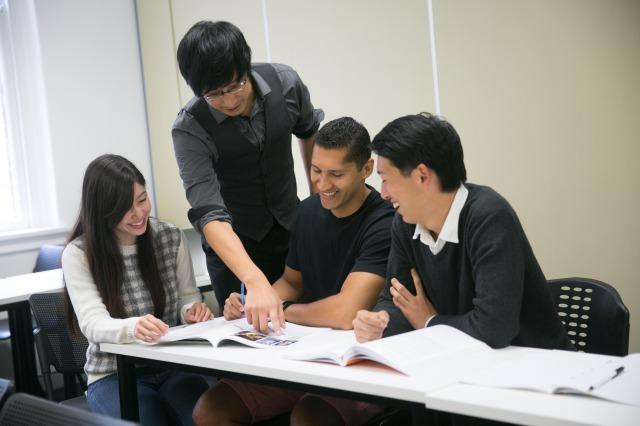 世界中から集まった仲間と楽しく英語学習!!