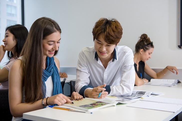 国際色豊かな学校