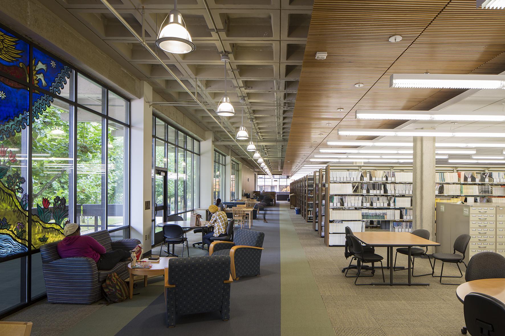併設する大学キャンパスの施設も利用可能